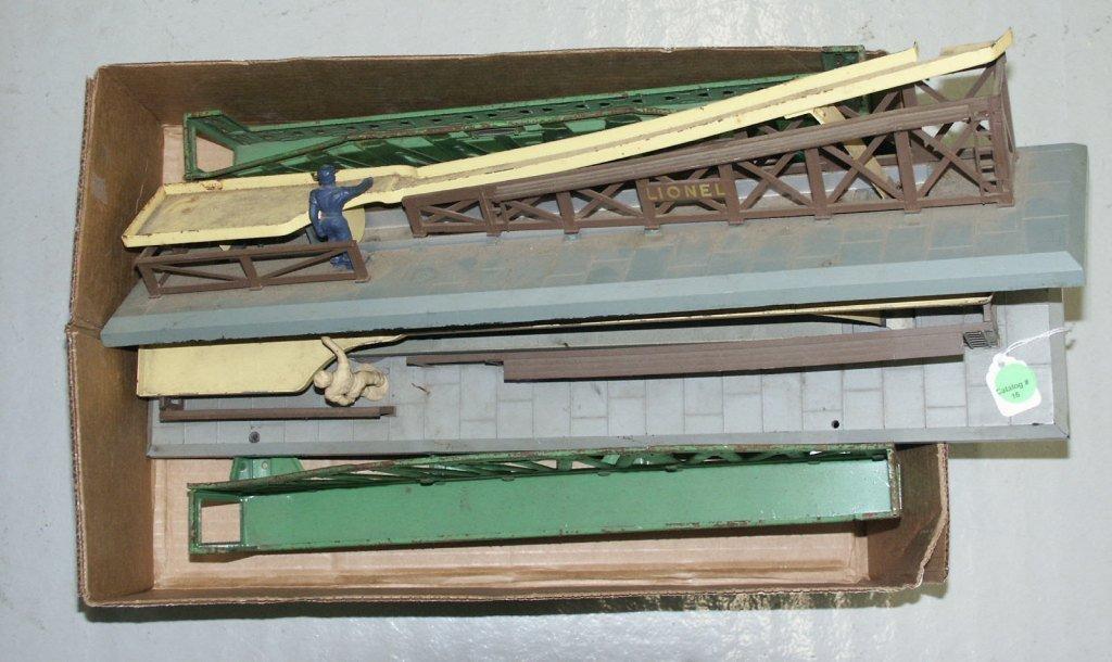 16:   BOX LOT OF LIONEL TRAIN ITEMS PRE-WAR BRIDGE, (2)