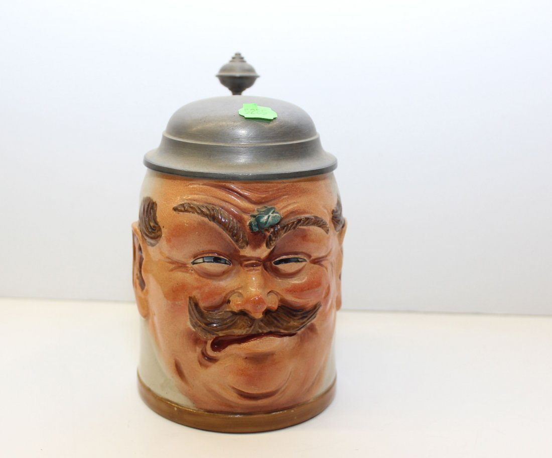 UNCOMFORTABLE BURGER STEIN