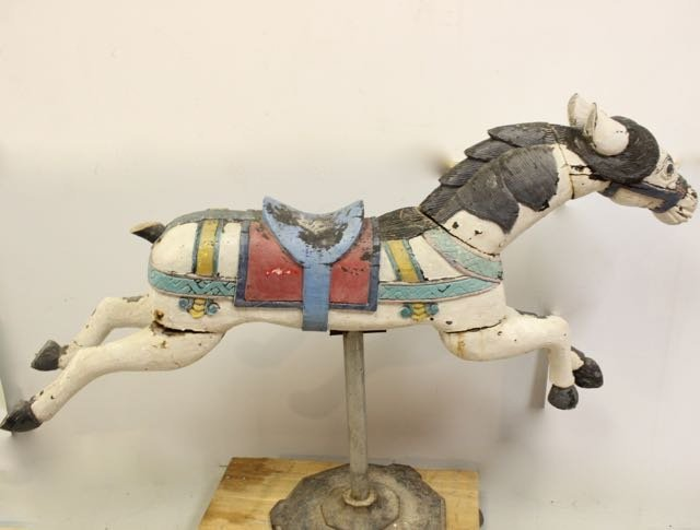 ANTIQUE CARVED WOODEN HORSE