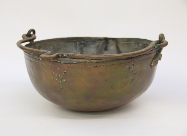 HAND CRAFTED COPPER POT