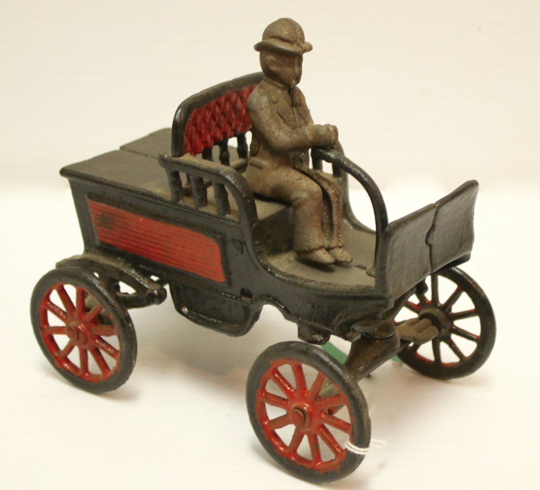 CAST IRON CAR WITH DRIVER