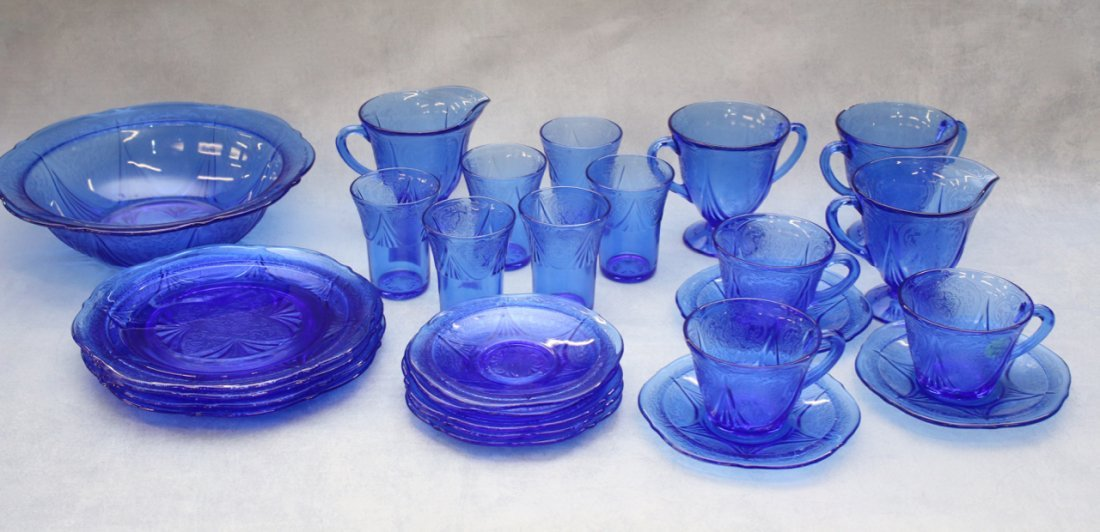 24 PC OF ROYAL LACE COBALT BLUE DEPRESSION GLASS LOT