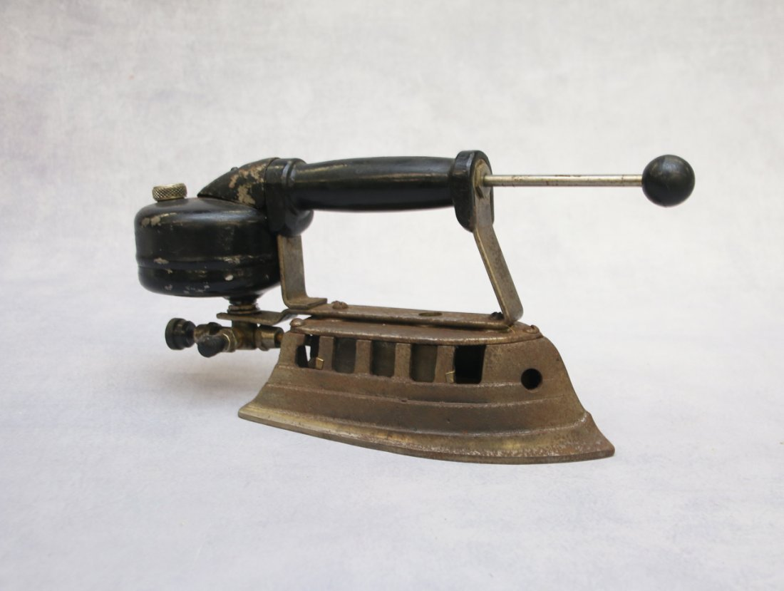 ANTIQUE SAD IRON - 2