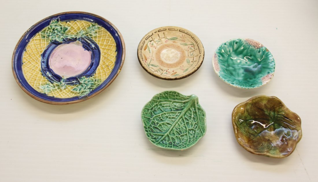 GROUP LOT OF MAJOLICA - 4
