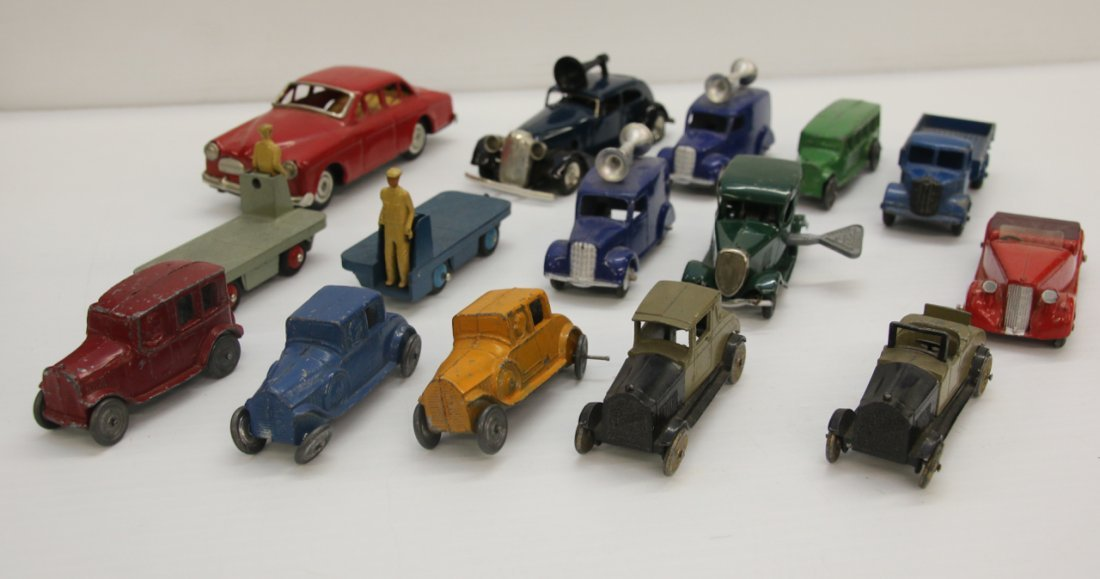 GROUP LOT OF TOY CARS