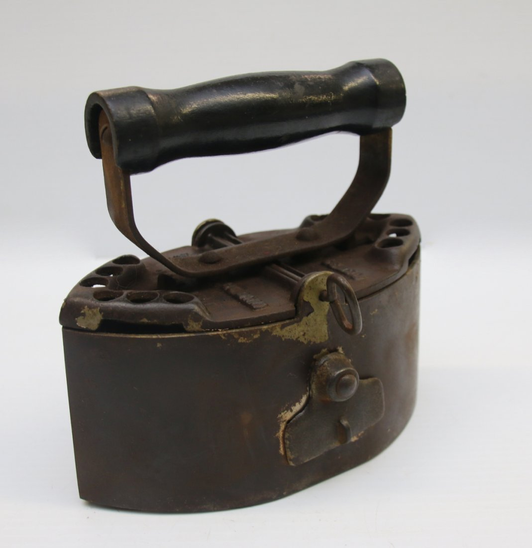 ANTIQUE SAD IRON