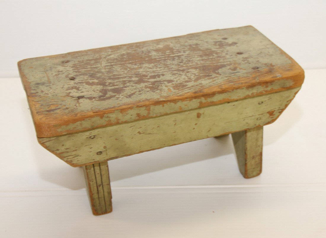 PAINTED WOODEN FOOT STOOL