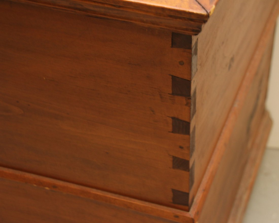 EARLY BLANKET CHEST - 2