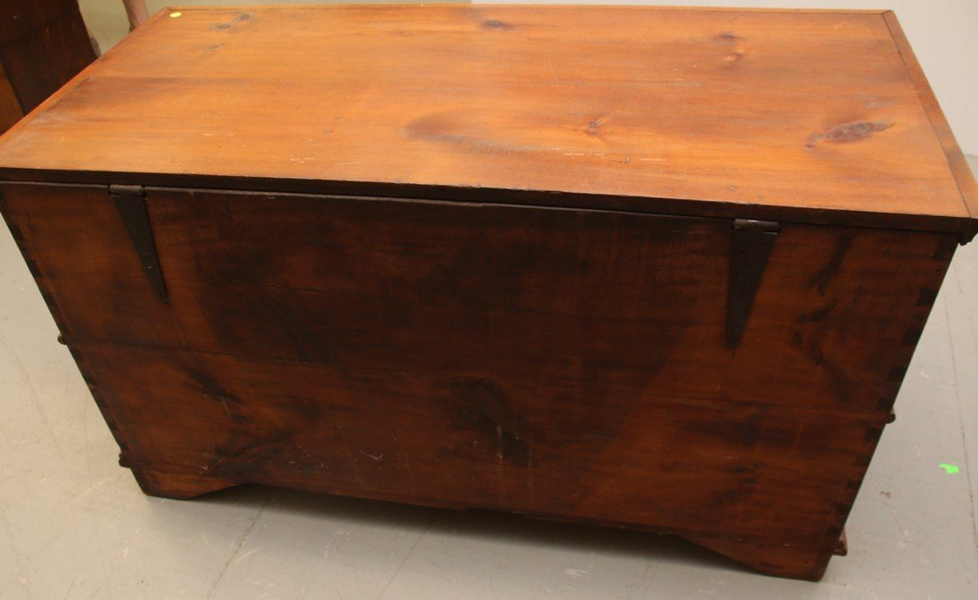 EARLY BLANKET CHEST - 4