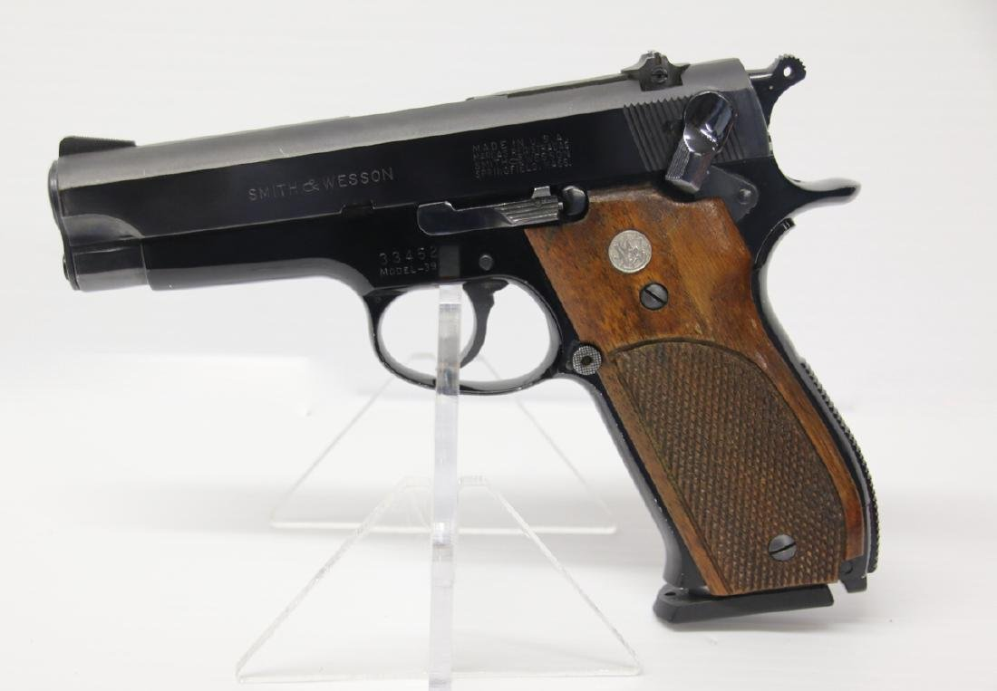 SMITH AND WESSON MODEL 39