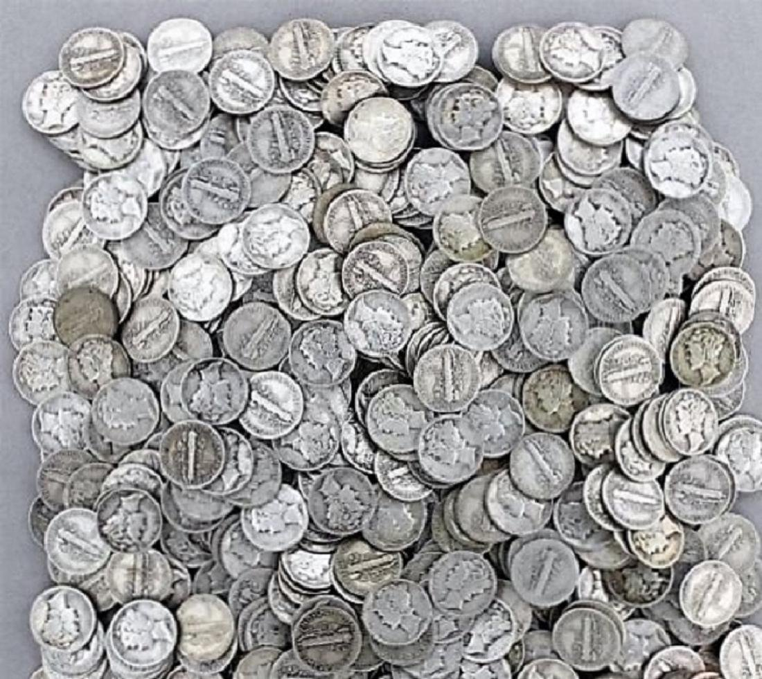 200 pc. Collection of Mercury Dimes -90%