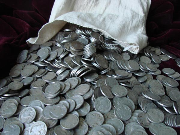 6B: Lot of 100 Buffalo Nickels- Circulated Coins- Some