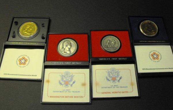 5B: Lot of 4 US MINT Bicentennial Medals