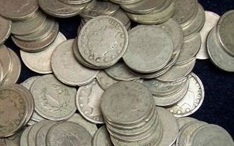 6: Lot of 200 V- Nickels-