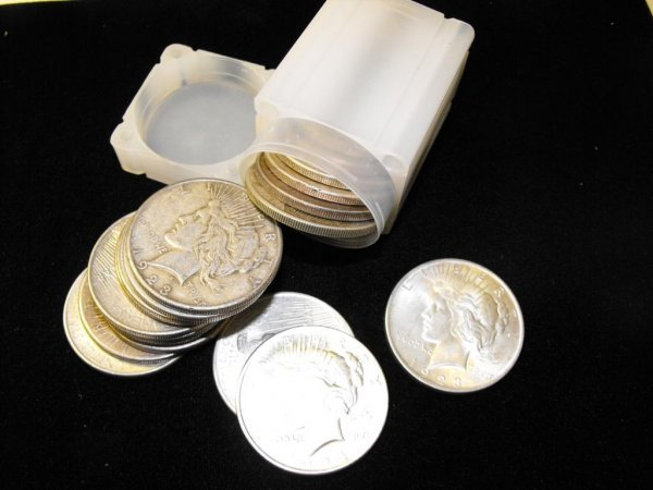 1V: Lot  of 10 Peace Silver Dollars