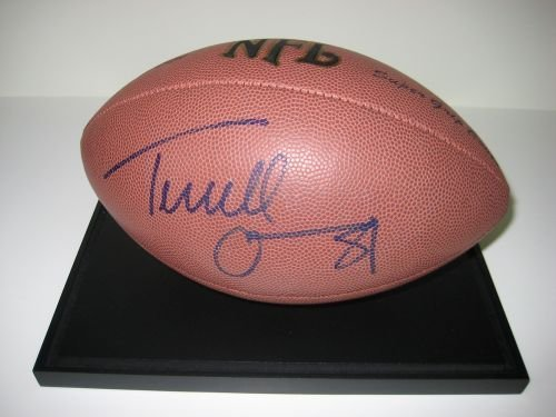 6D: Terrell Owens Autgraphed Football