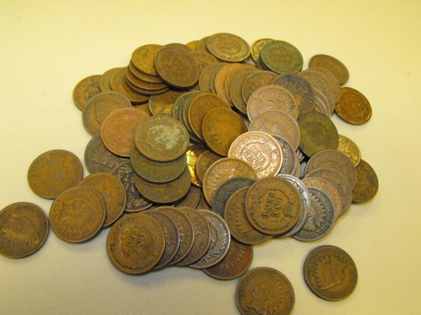22: Lot of 100 Indian Head Pennies-