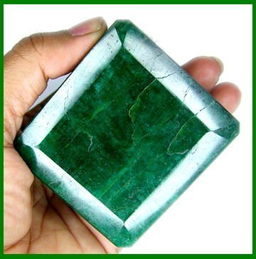 1G: 1085 CT CERTIFIED MUSEUM SIZE EMERALD GEM $24K