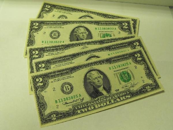 4D: Lot of 5 Sequential 1976 $ 2 FRN- UNC