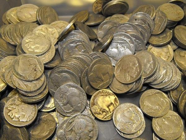 2D: 100 Readable Date Buffalo Nickels