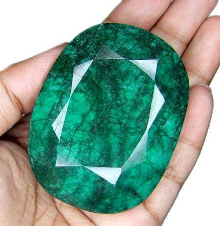 6K: 620 ct. Emerald Gemstone- Natural