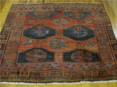 3H: Small Area Size Hamedan Persian Rug
