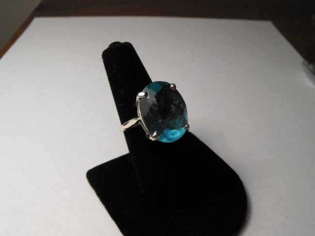 1A: 19 ct Blue Topaz Ring in Sterling