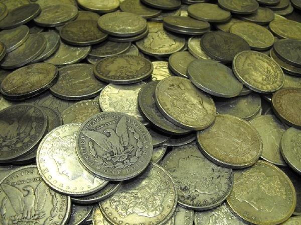 1C: Lot of 100 Morgan Silver Dollars
