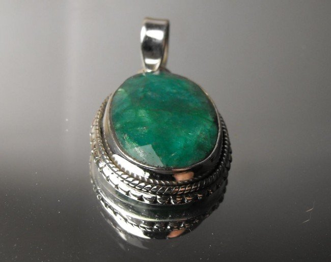 161W: 10.98 ct Emerald pendant Sterling $ 2000 GG GIA