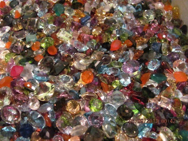 2A: Large Lot of (1000) cts. Faceted Gemstones -
