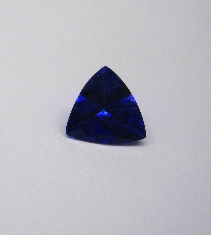 3G: 2.08 ct. Natural Tanzanite Gemstone Trilliant