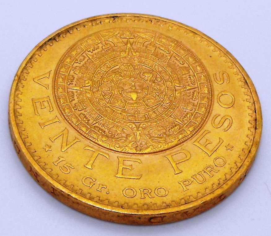 8T: 1959 Twenty Peso Gold Coin