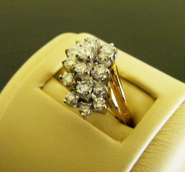 38B: 1.75 ct. Bright White Diamond Cluster Ring