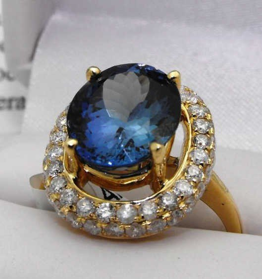 25M: $15,000 Appraised COLOR CHANGE Tanzanite Ring