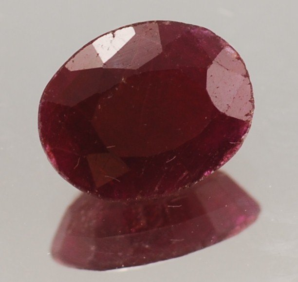 9V: 3.5 ct. natural Ruby Gem