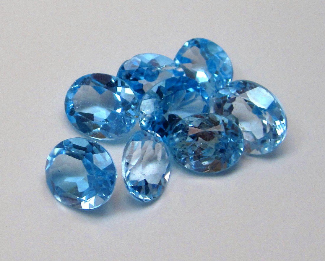 2J: A lot of approx. 25 cts. Blue Topaz