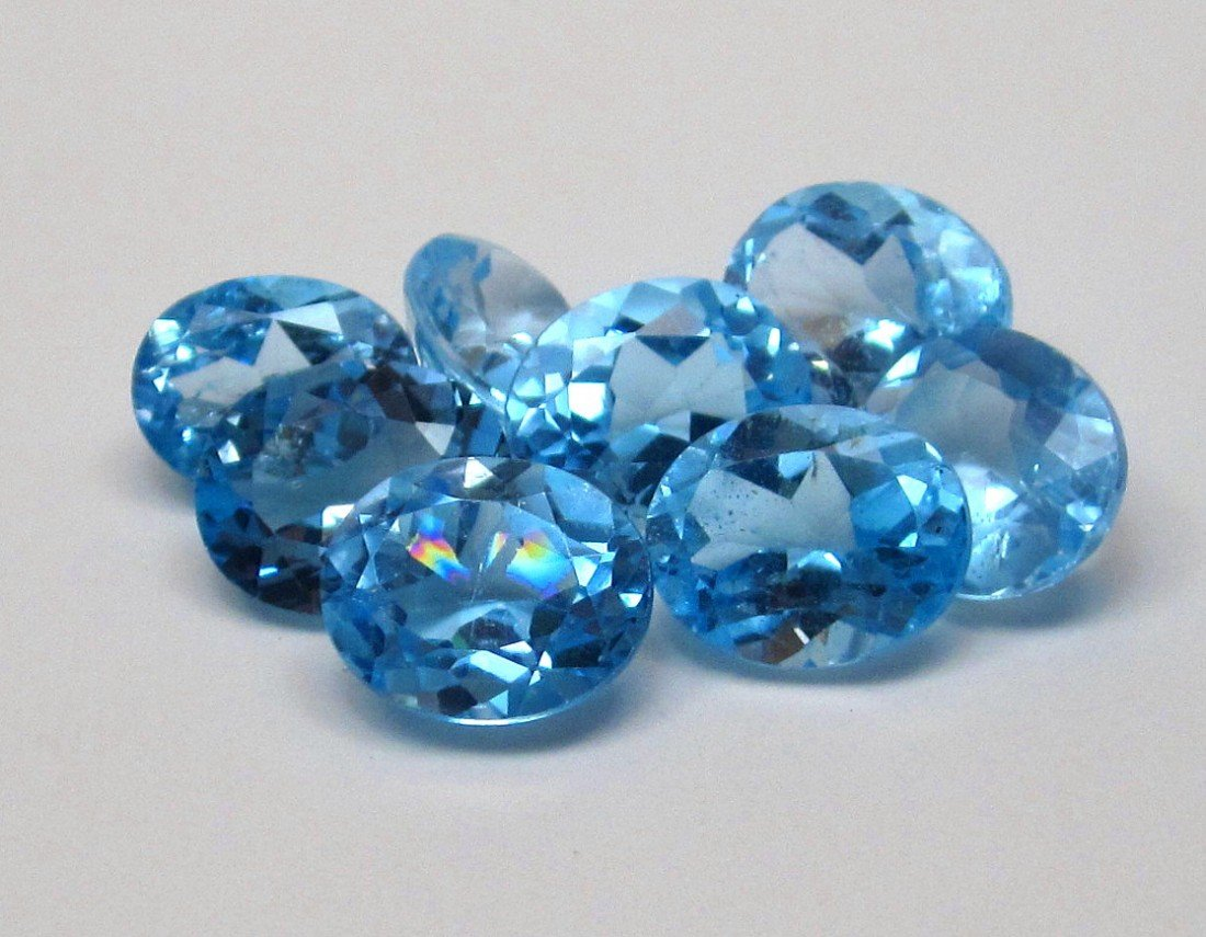 3J: A lot of approx. 25 cts. Blue Topaz