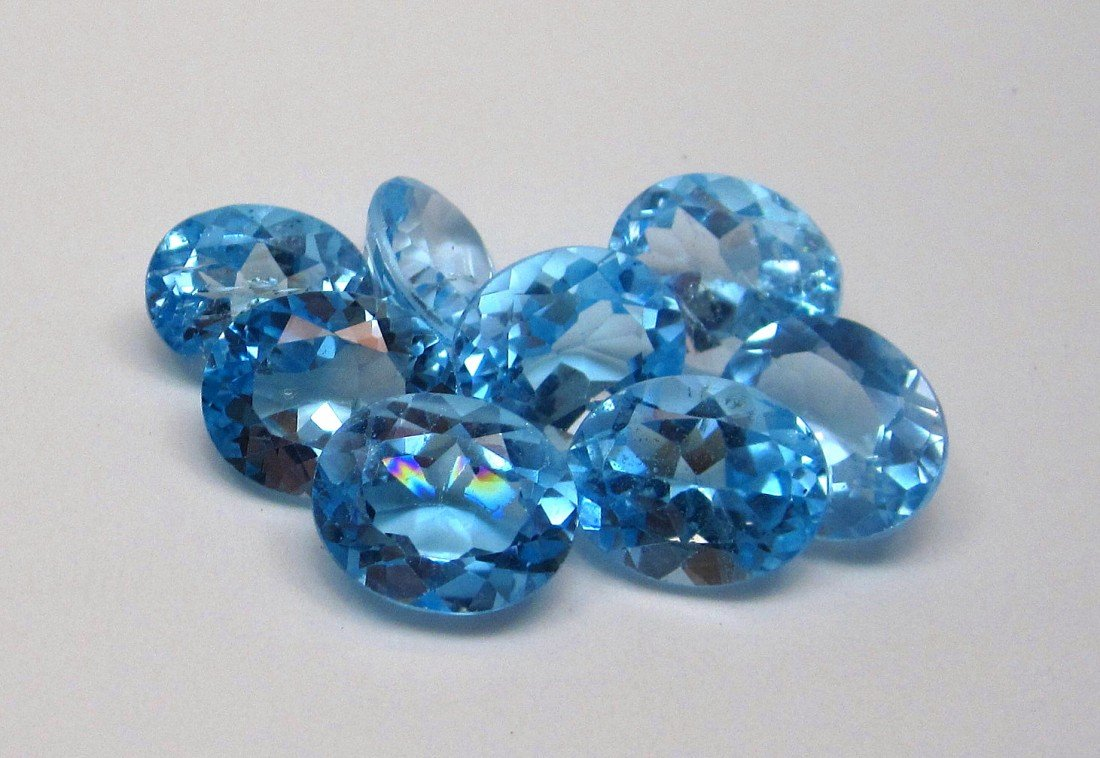 4J: A lot of approx. 25 cts. Blue Topaz