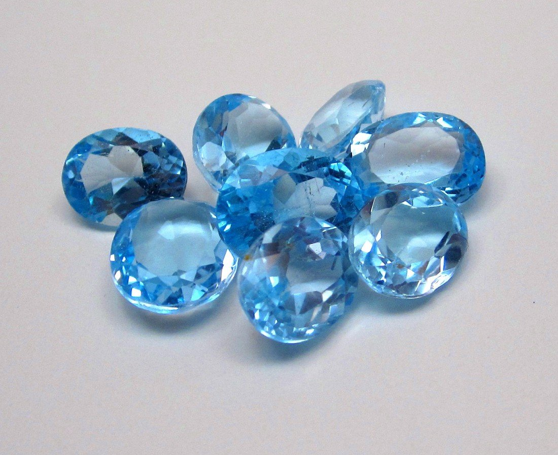 10J: A lot of approx. 25 cts. Blue Topaz