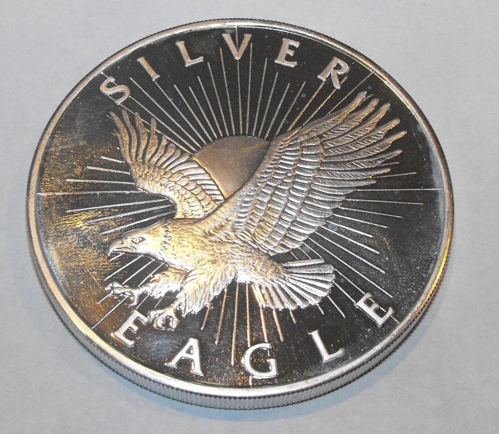 7: 5 oz. Pure Silver Silver Eagle Design