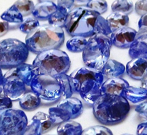4Z: GW- Lot of 100 tcw. Tanzanite Gemstones