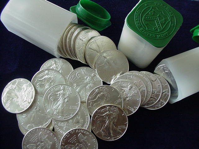 3T: Lot of (100) US Silver Eagles