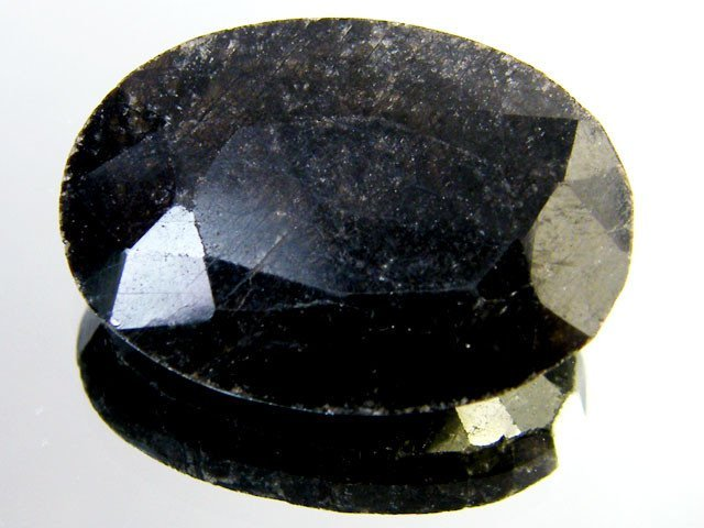 3E: 4 ct. natural Sapphire Gemstone