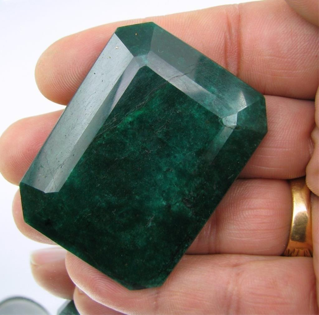 1430 ct. HUGE Emerald Green Beryl Gemstone