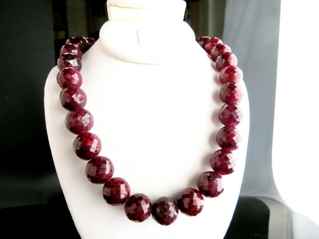 550 tcw. Ruby Gemstone Necklace