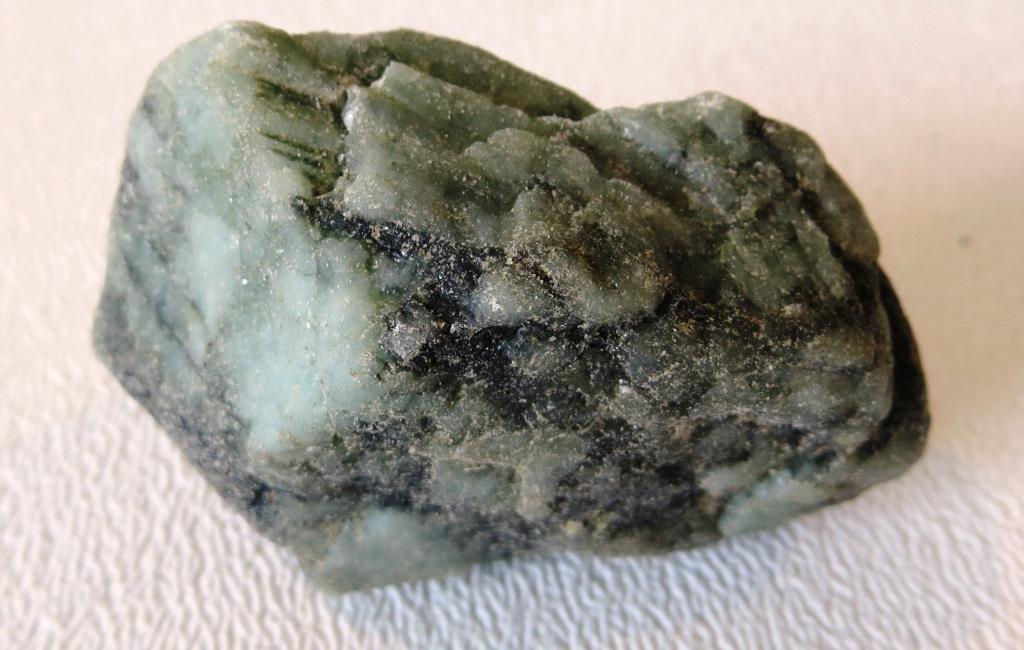 Rough Cut Emerald Gem Material  50 cts