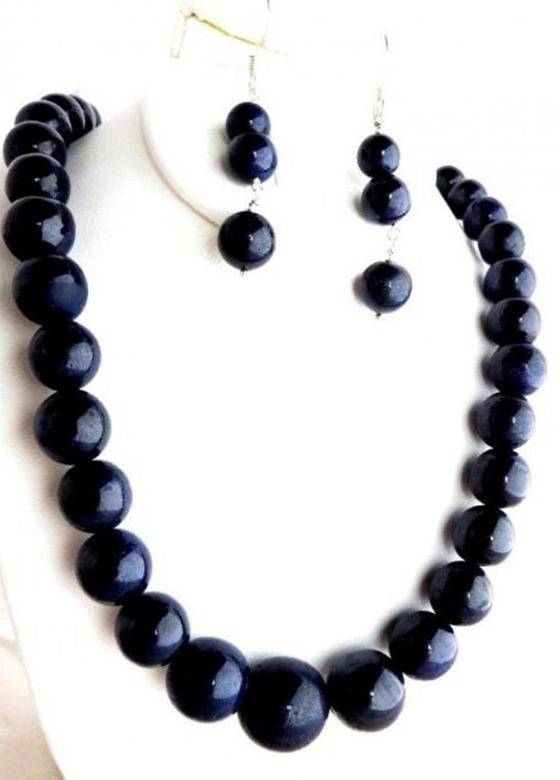430 tcw. Cabachon Cut Sapphire Necklace & E/R