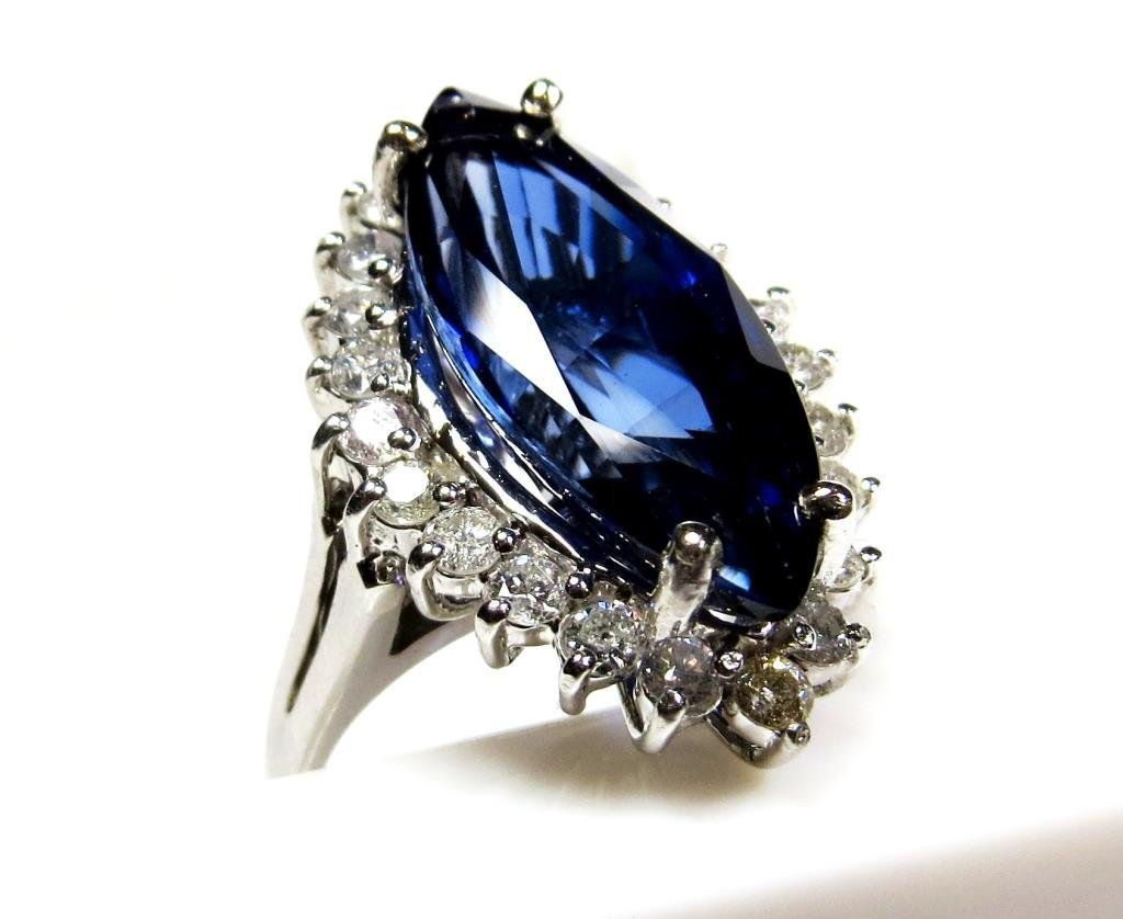 EGL Cerrtified Superior 8 ct Sapphire Ring 14k