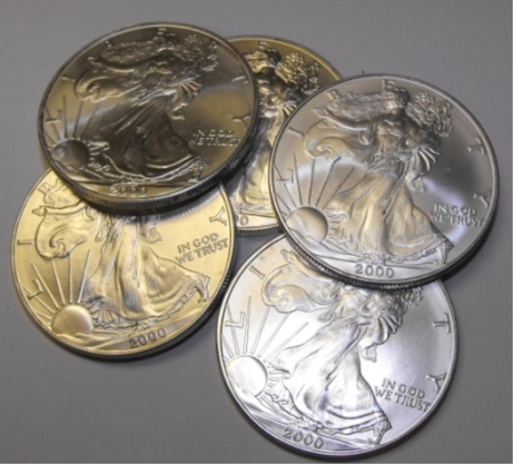 Lot of 5 US Silver Eagles