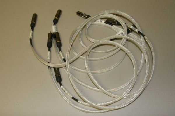7720: Music Metre INTERCONNECT CABLES
